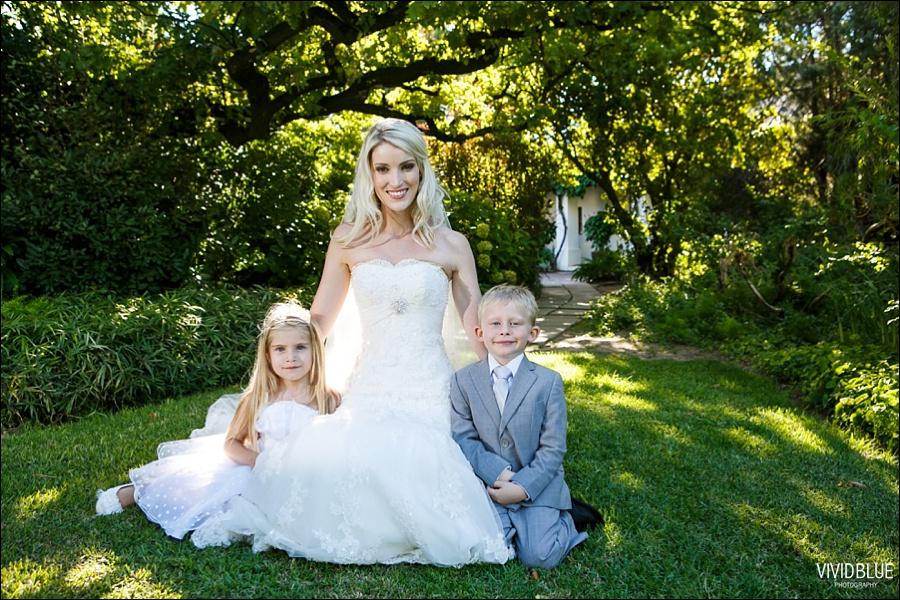 VividBlue-phil-erin-wedding-backberg-south-africa037