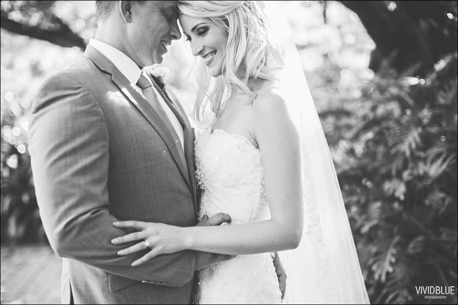 VividBlue-phil-erin-wedding-backberg-south-africa054