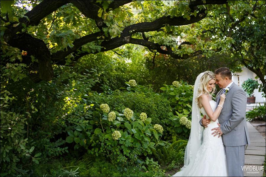 VividBlue-phil-erin-wedding-backberg-south-africa064