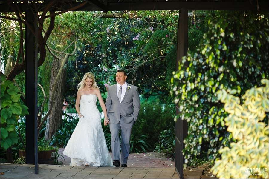 VividBlue-phil-erin-wedding-backberg-south-africa076