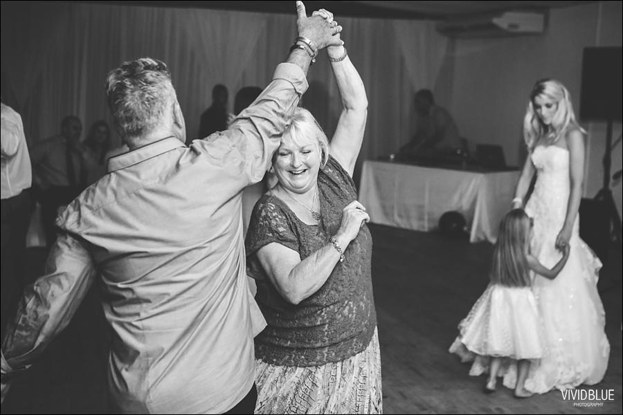 VividBlue-phil-erin-wedding-backberg-south-africa100