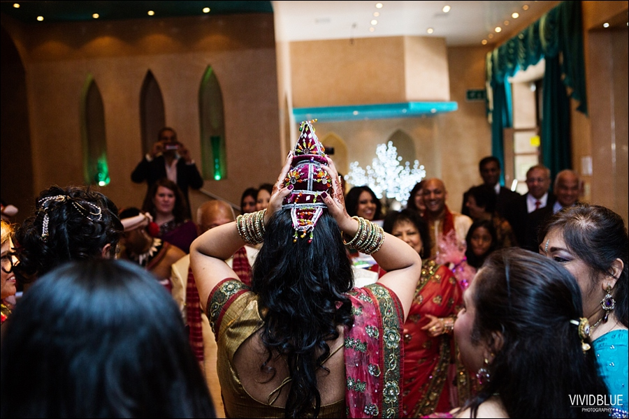 vividblue-Meera-Darren-hindu-wedding-uk104