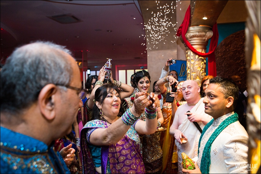 vividblue-Meera-Darren-hindu-wedding-uk105