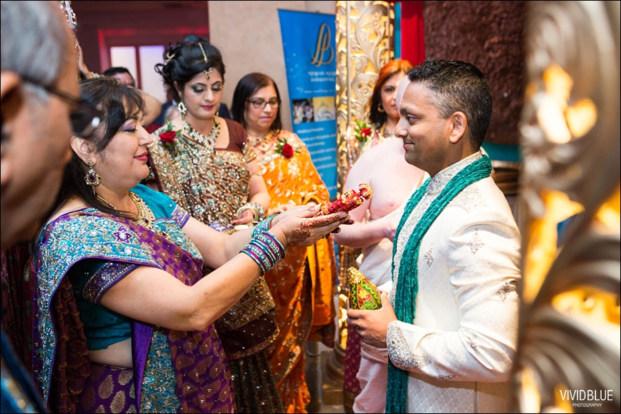 vividblue-Meera-Darren-hindu-wedding-uk106