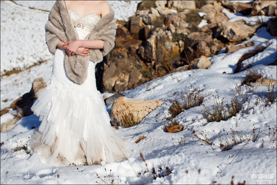 Vivid-blue-weddings-snow-matroosberg-photography003