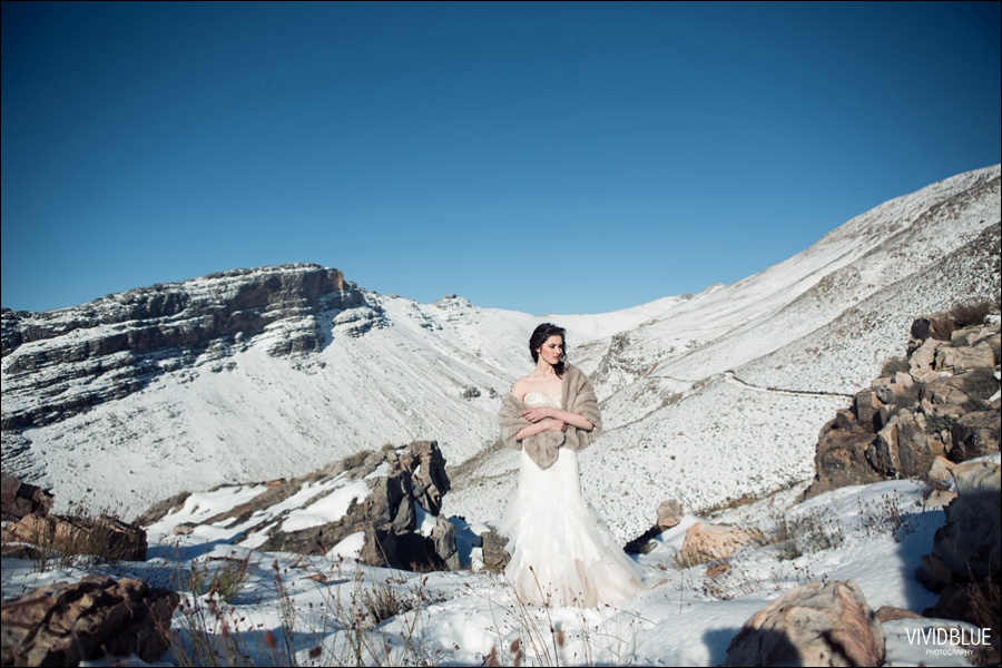 Vivid-blue-weddings-snow-matroosberg-photography005