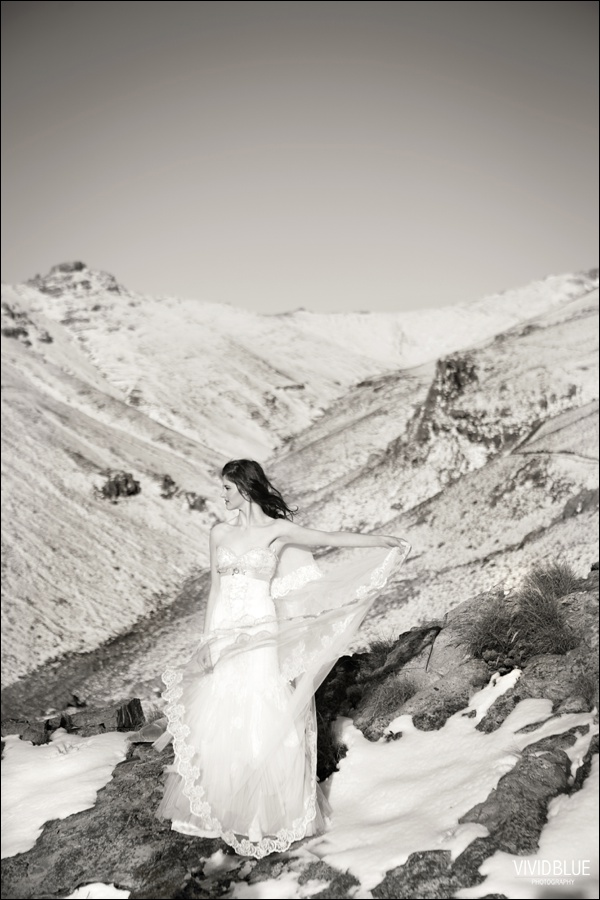 Vivid-blue-weddings-snow-matroosberg-photography008