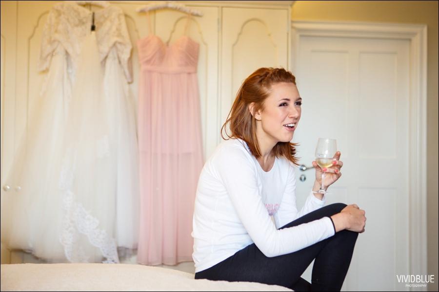 Vivid-Blue-Jacques-Suzanne-Mount-Nelson-Wedding-Aleit023