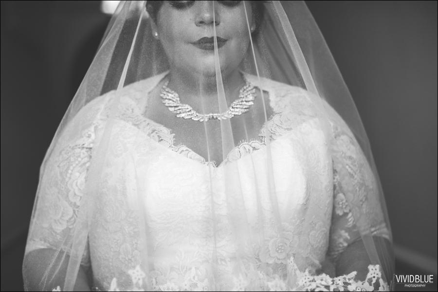 Vivid-Blue-Jacques-Suzanne-Mount-Nelson-Wedding-Aleit036
