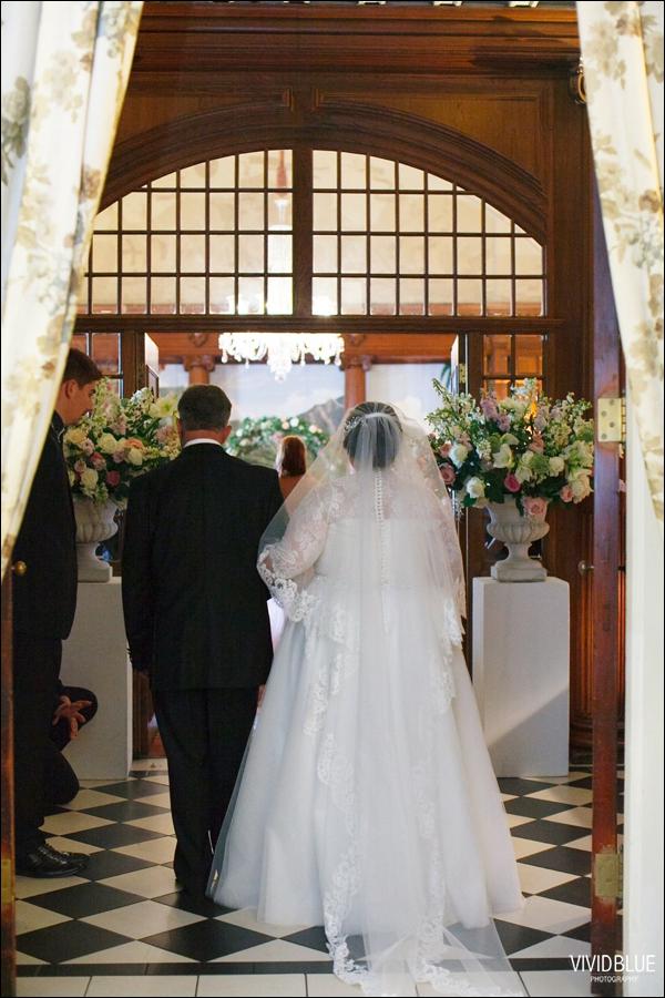 Vivid-Blue-Jacques-Suzanne-Mount-Nelson-Wedding-Aleit045
