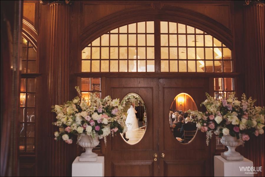 Vivid-Blue-Jacques-Suzanne-Mount-Nelson-Wedding-Aleit053