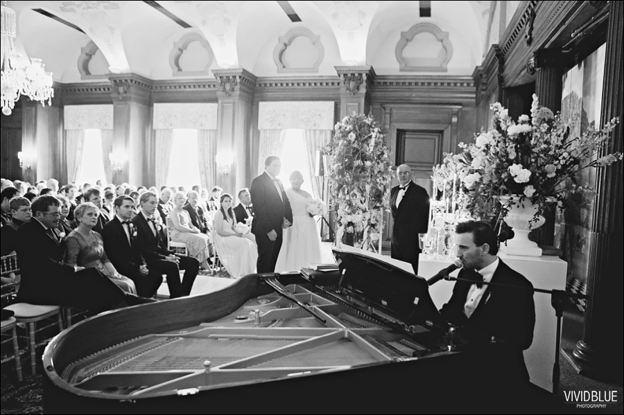 Vivid-Blue-Jacques-Suzanne-Mount-Nelson-Wedding-Aleit056