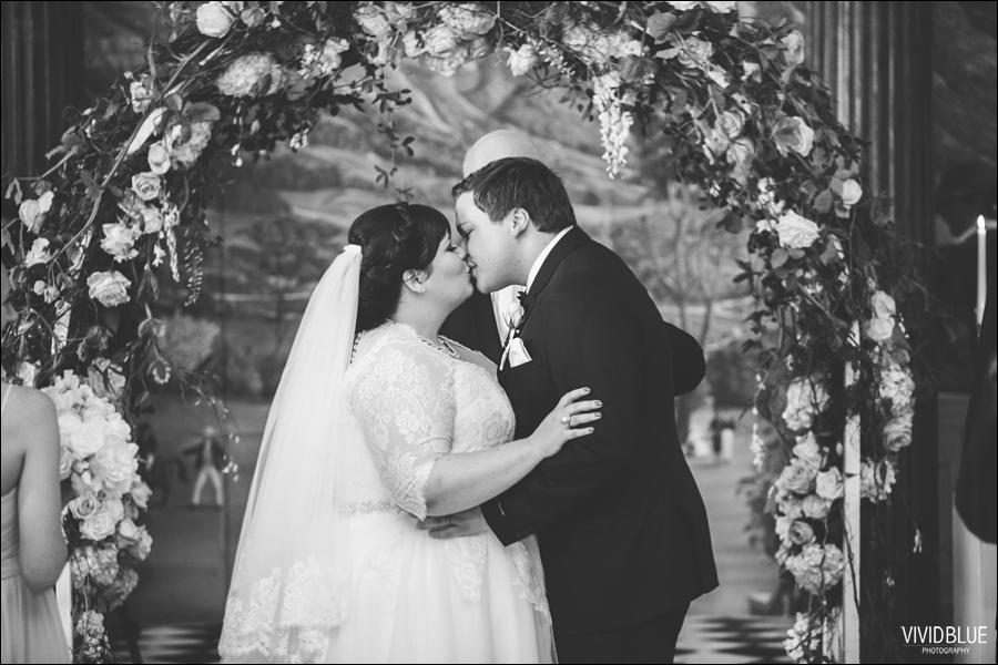 Vivid-Blue-Jacques-Suzanne-Mount-Nelson-Wedding-Aleit060