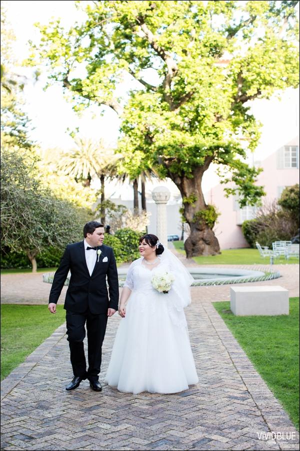 Vivid-Blue-Jacques-Suzanne-Mount-Nelson-Wedding-Aleit077