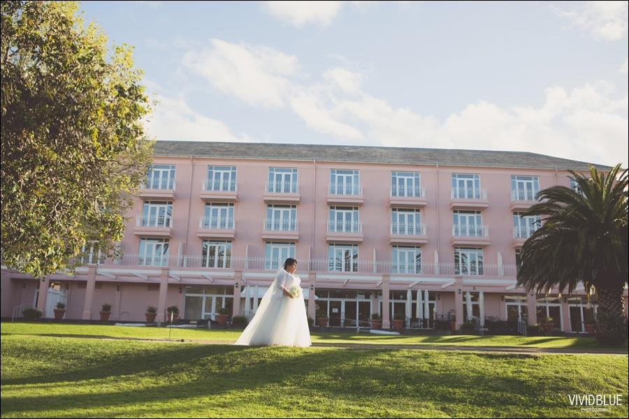 Vivid-Blue-Jacques-Suzanne-Mount-Nelson-Wedding-Aleit083
