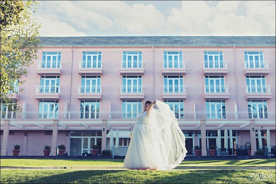 Vivid-Blue-Jacques-Suzanne-Mount-Nelson-Wedding-Aleit084