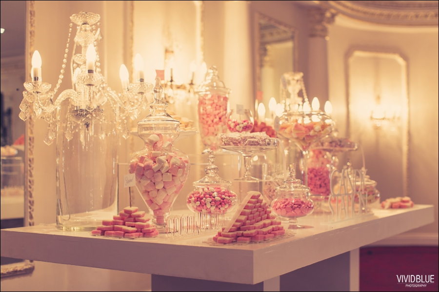 Vivid-Blue-Jacques-Suzanne-Mount-Nelson-Wedding-Aleit104