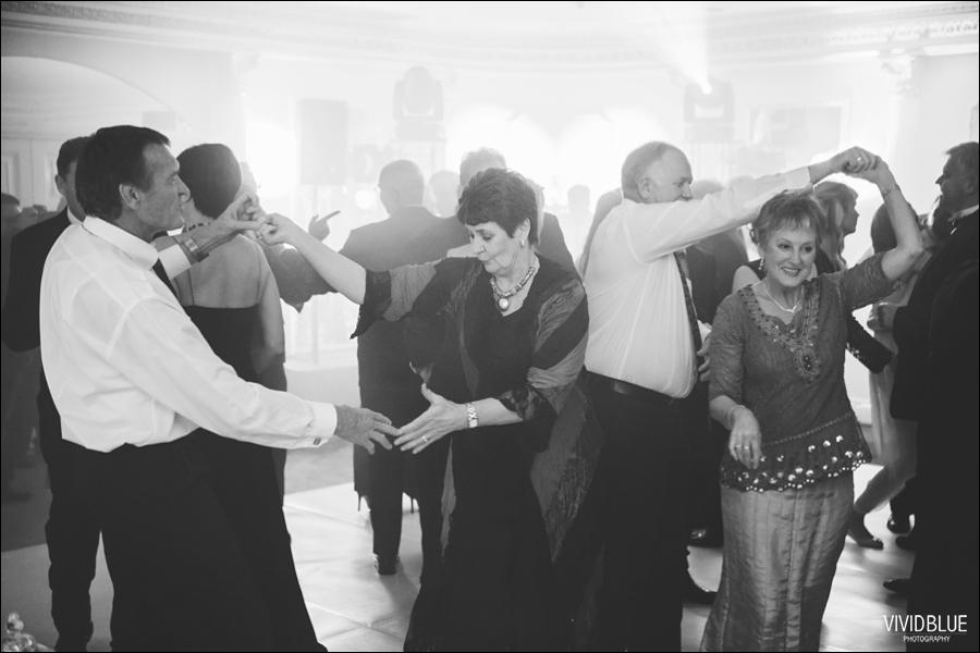 Vivid-Blue-Jacques-Suzanne-Mount-Nelson-Wedding-Aleit163