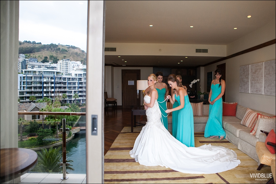 Vivid-Blue-Brett-Claire-One-and-only-wedding021