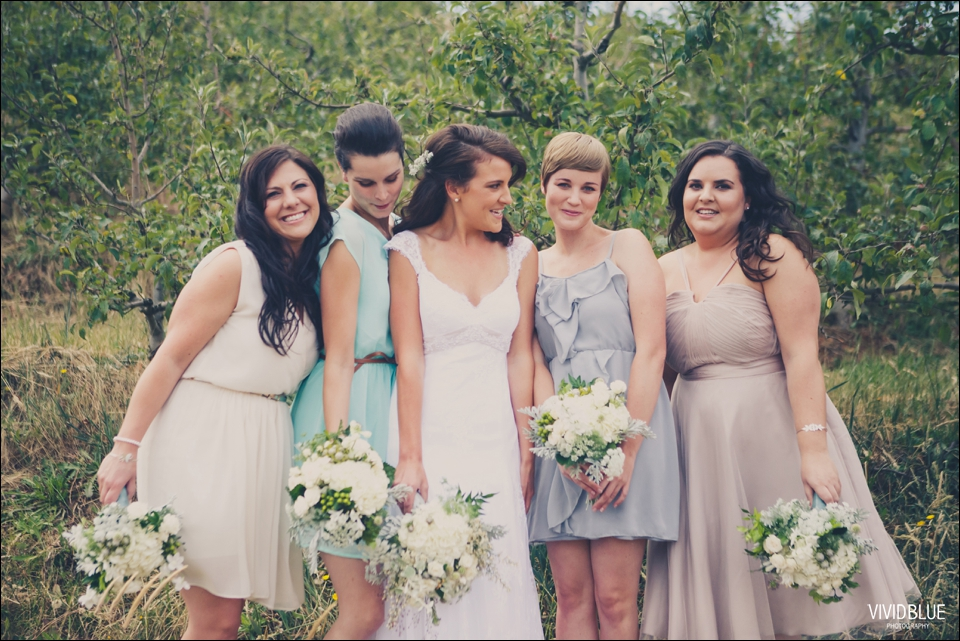 Vivid-Blue-Christo-Eveleen-Forest-wedding00027