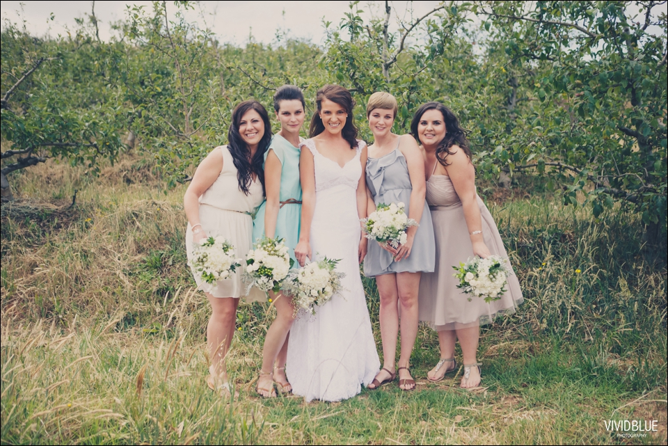 Vivid-Blue-Christo-Eveleen-Forest-wedding00028