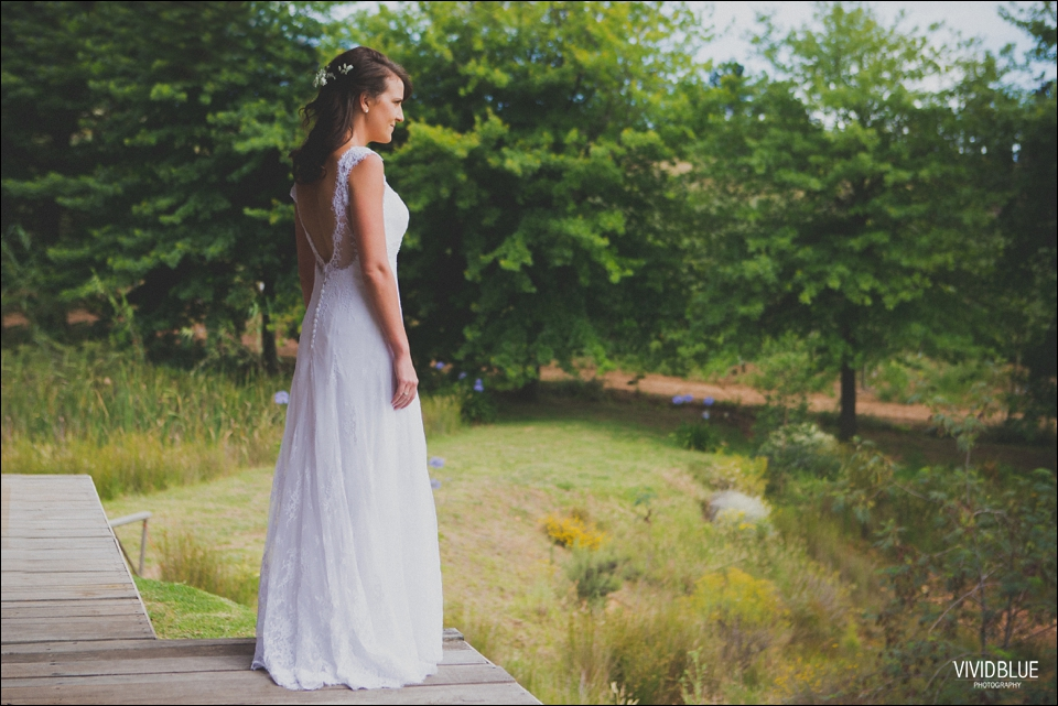 Vivid-Blue-Christo-Eveleen-Forest-wedding00030