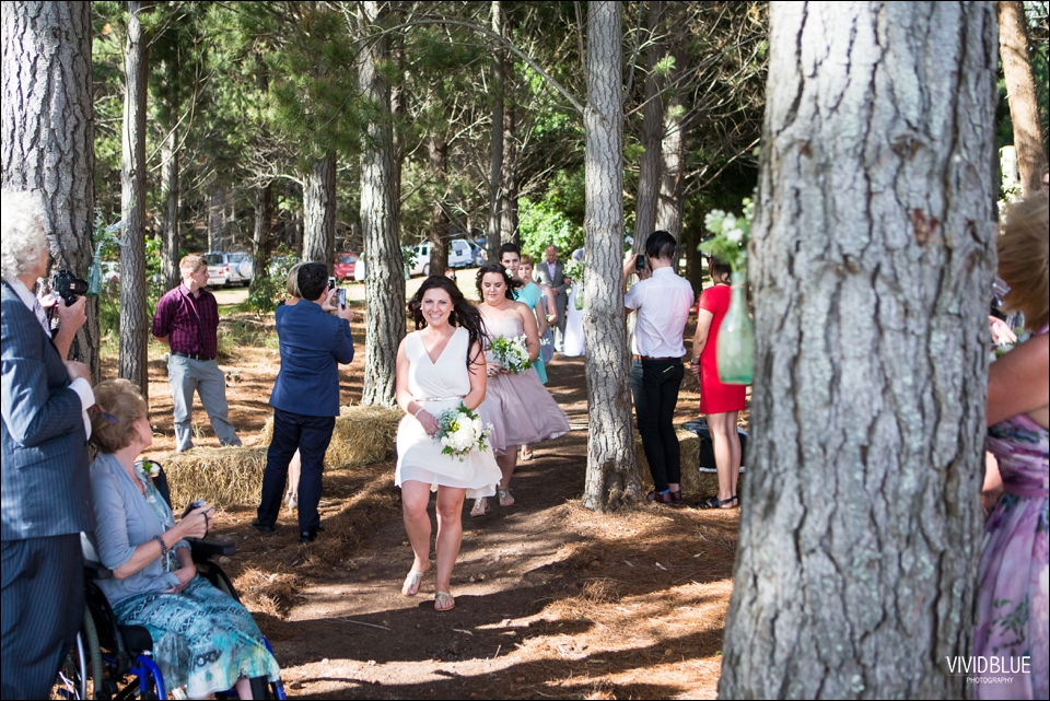 Vivid-Blue-Christo-Eveleen-Forest-wedding00042