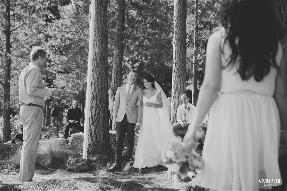 Vivid-Blue-Christo-Eveleen-Forest-wedding00047
