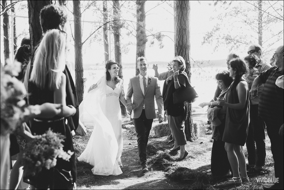 Vivid-Blue-Christo-Eveleen-Forest-wedding00066