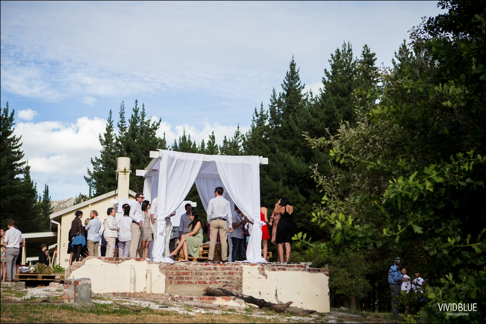 Vivid-Blue-Christo-Eveleen-Forest-wedding00078