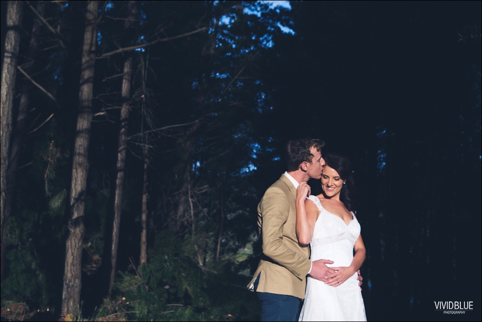 Vivid-Blue-Christo-Eveleen-Forest-wedding00123