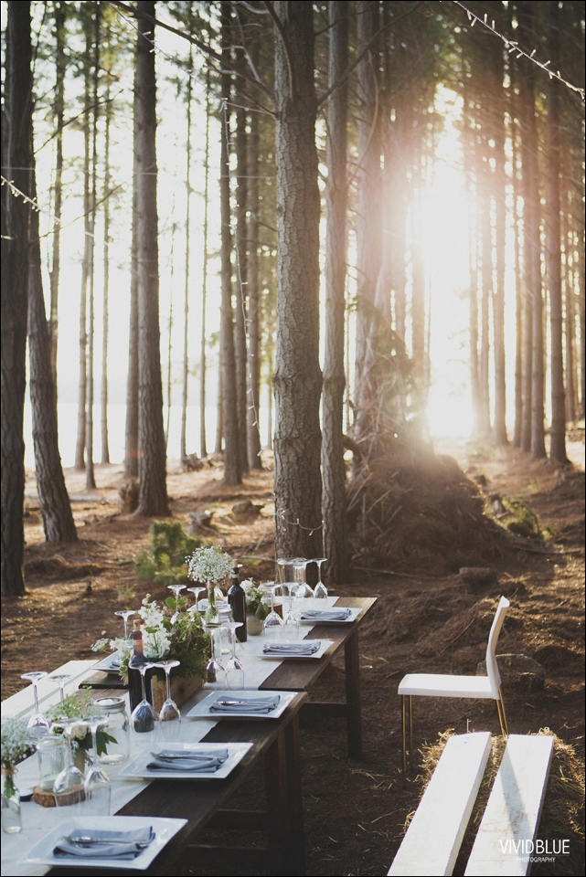 Vivid-Blue-Christo-Eveleen-Forest-wedding00126