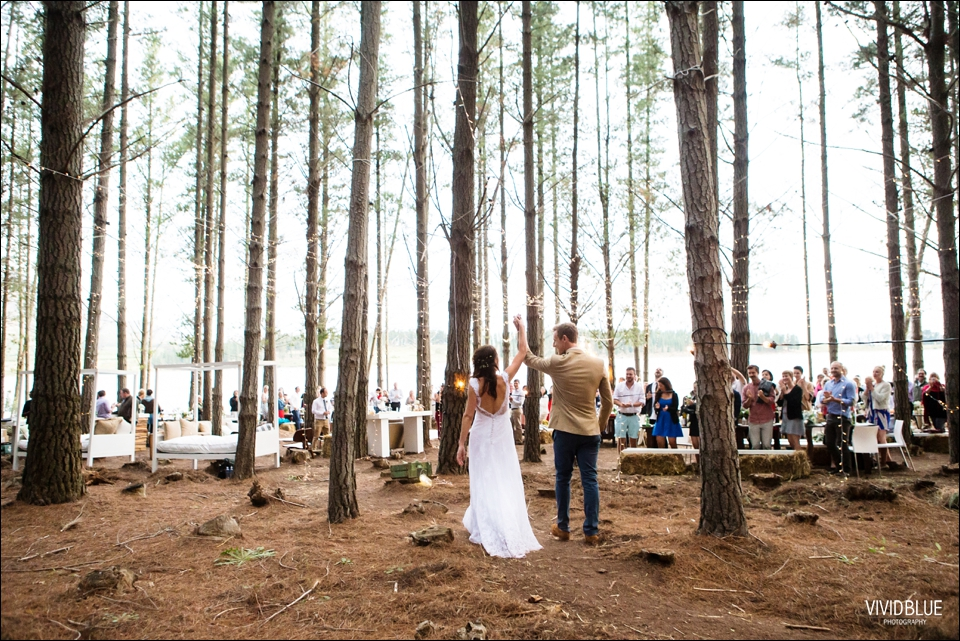 Vivid-Blue-Christo-Eveleen-Forest-wedding00141