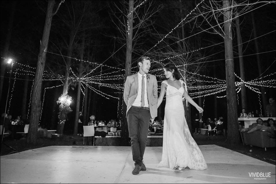 Vivid-Blue-Christo-Eveleen-Forest-wedding00162