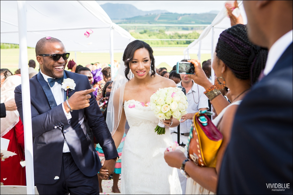 Vivid-Blue-Sam-Kiki-Lourensford-wedding085