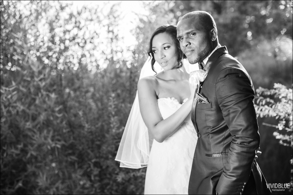 Vivid-Blue-Sam-Kiki-Lourensford-wedding098