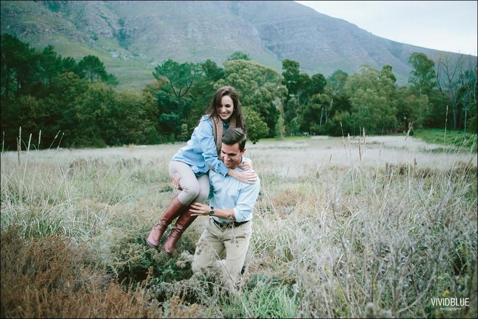 Vividblue-Marnus-Michelene-couple-shoot-jonkershoek042