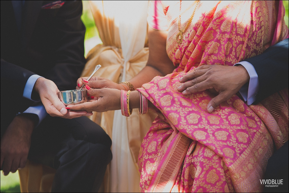 Vividblue-Paul-Sandhya-Oyster-box-Durban-Wedding027