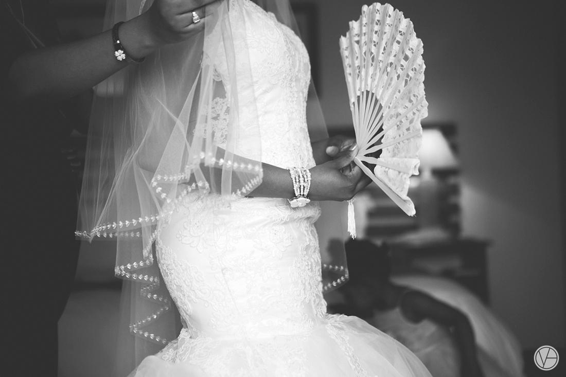 Vivid-Blue-Apoti-Zanele-Val-de-Vie-Wedding-Photography027