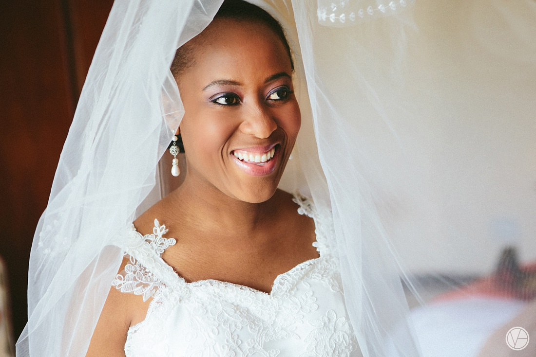 Vivid-Blue-Apoti-Zanele-Val-de-Vie-Wedding-Photography029