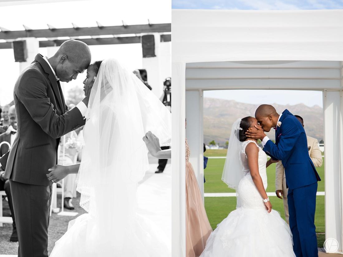 Vivid-Blue-Apoti-Zanele-Val-de-Vie-Wedding-Photography075