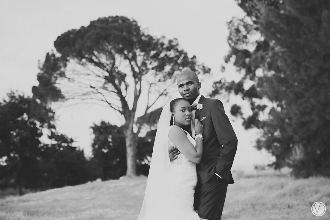 Vivid-Blue-Apoti-Zanele-Val-de-Vie-Wedding-Photography097