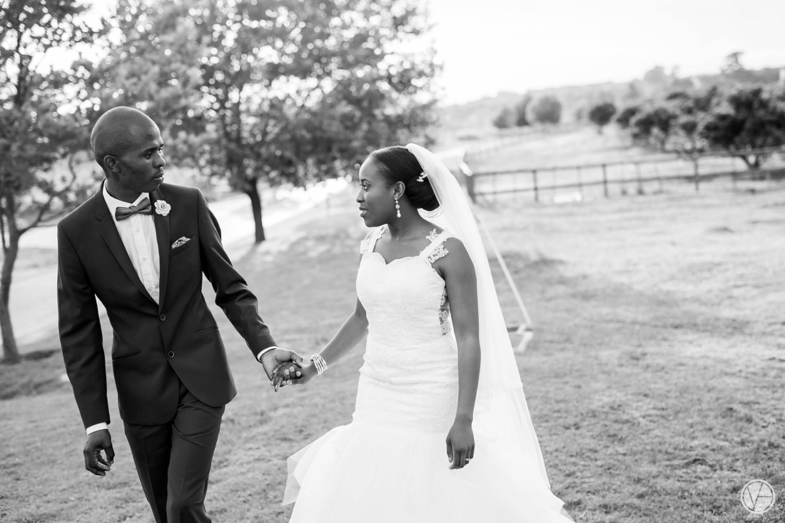 Vivid-Blue-Apoti-Zanele-Val-de-Vie-Wedding-Photography099