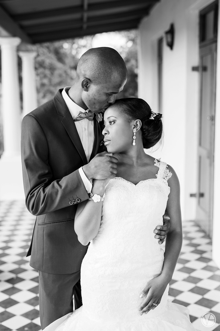Vivid-Blue-Apoti-Zanele-Val-de-Vie-Wedding-Photography104