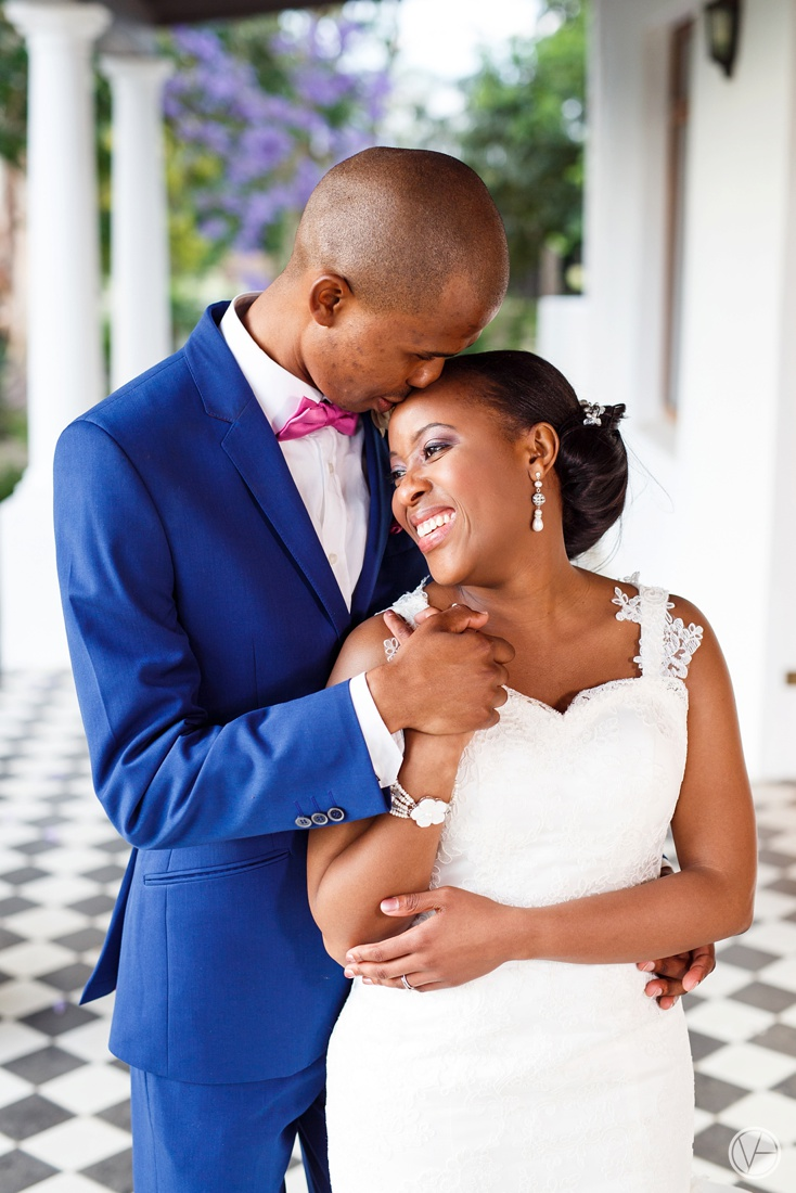 Vivid-Blue-Apoti-Zanele-Val-de-Vie-Wedding-Photography105