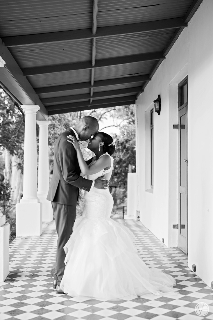 Vivid-Blue-Apoti-Zanele-Val-de-Vie-Wedding-Photography109