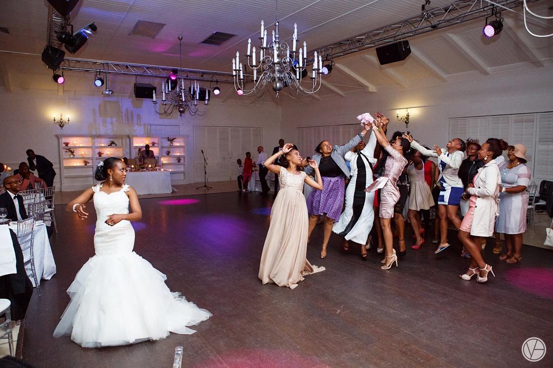 Vivid-Blue-Apoti-Zanele-Val-de-Vie-Wedding-Photography183