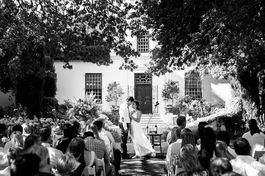 Vivid-Blue-Hilmar-Antonia-wedding-bosmanwines-kraak-photography053