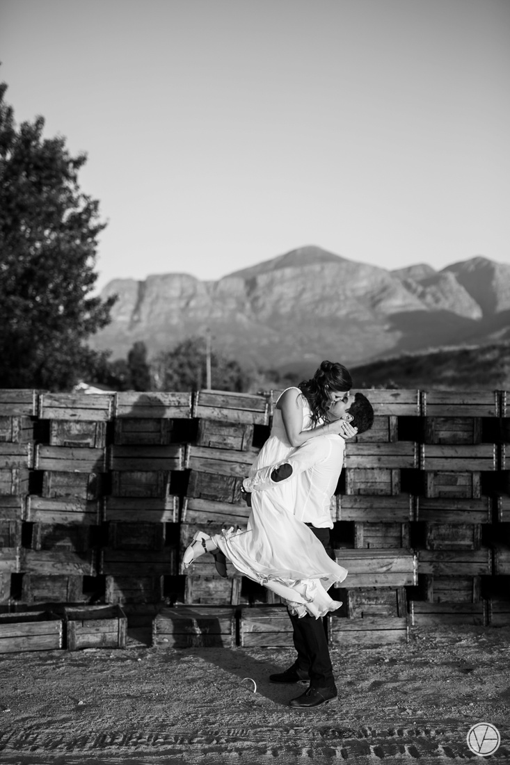 Vivid-Blue-Hilmar-Antonia-wedding-bosmanwines-kraak-photography114
