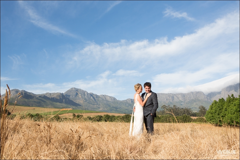 Vivid-Blue-Jaco-lara-wedding-lourensford-aleit095